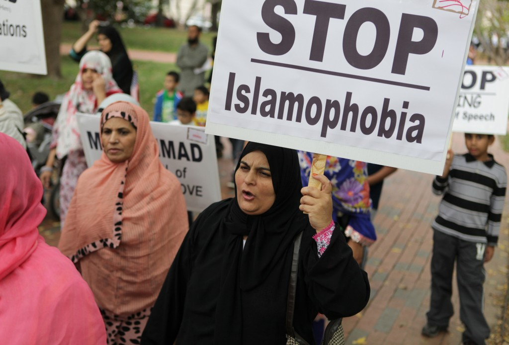 americans bias against muslims Muslim women are a fast-growing segment of the united states population that reflects the breadth of this country's racial, ethnic, and multicultural heritage and includes us-born muslims of diverse ethnicities, immigrants from many countries and regions, and converts from various backgrounds.