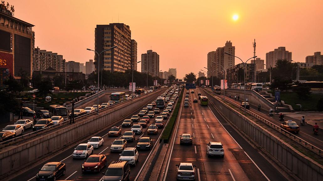 https://pixabay.com/photos/street-traffic-high-way-automobile-1721451/
